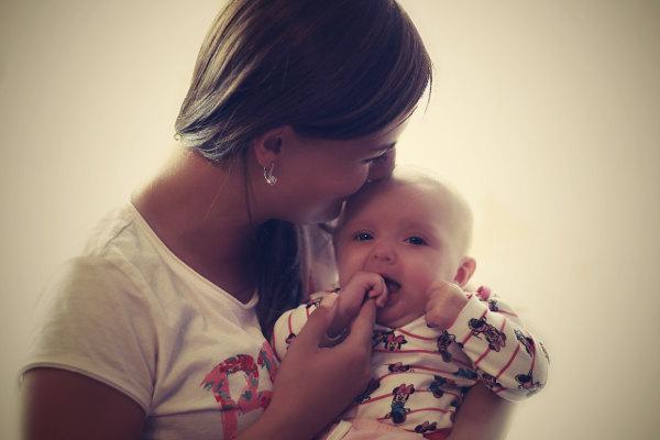 Matka z dzieckiem - finansowanie z funduszu alimentacyjnego
