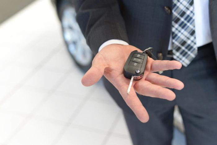 Kluczyki od auta od leasingodawcy